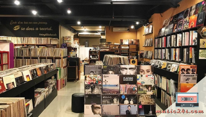 Garage Records ร้านขาย CD ขายแผ่นเสียงหายาก Garage Records ร้านขาย CD และแผ่นเสียงหายากออกแนว ๆ อินดี้ที่ท่านไม่สามารถจะ walk in เข้าไปได้