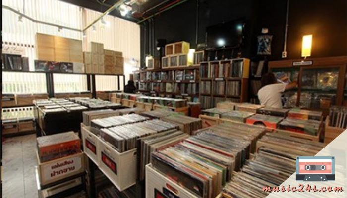 Hall of Fame Records ต้นแบบร้านขาย CDHall of Fame Records ร้านขาย CD เพลงไทย เพลงสากลในยุคแรก ๆ ที่มีสินค้าคุณภาพในรูปแบบของแผ่นเสียง