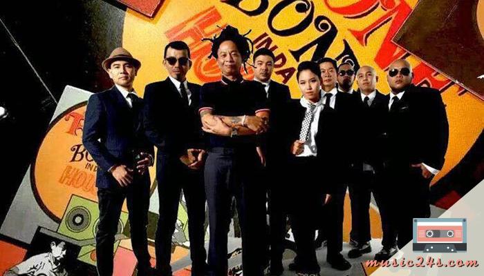 เพลงฮิตของวงทีโบน วงเร็กเก้ยุคบุกเบิกของไทย จัดได้ว่าเป็น วงดนตรี ในยุค 90s ก่อตั้งวงเมื่อปี 2535 ในยุคนั้นคนฟังเพลงแนวนี้อาจจะไม่มากนัก