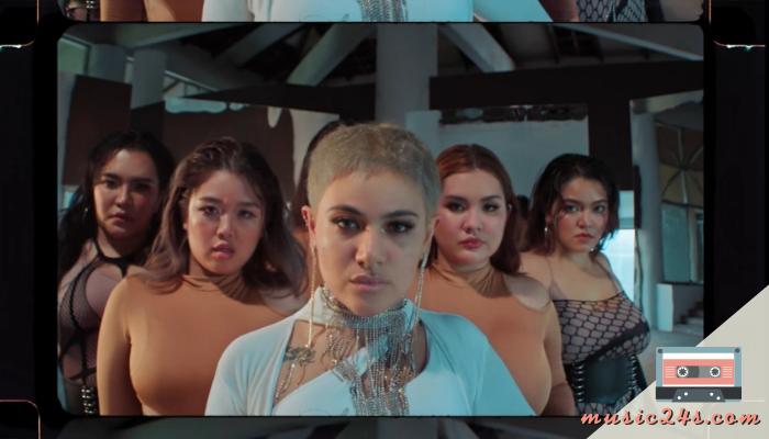 ซิลวี่ เปิดตัวสังกัดค่ายใหม่ Warner Music Asiaถึงแม้ว่าในช่วงสถานการณ์การแพร่ระบาดของโรคโควิด 19 เบื้องต้นปีที่ผ่านมานั้นจะทำให้หลายๆวงการ